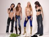 4 girls undressingd4lhpbxt5w.jpg