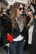 Ванесса Паради, фото 261. Vanessa Paradis arrives at Pavillon Cambon to attend the Chanel show at Pavillon Cambon Capucines in Paris, France, January 25, foto 261