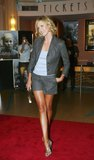 Charlize Theron legs and legs Foto 287 (������ ����� ����� � ����� ���� 287)