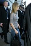 Jennifer Aniston Hard nips outside Letterman Foto 180 (Дженнифер Анистон Жесткий НПВ вне Letterman Фото 180)