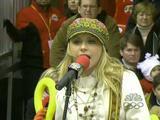 Alyson Michalka - 2005 Macy's Parade caps (33 pics)
