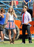 http://img11.imagevenue.com/loc363/th_78278_Taylor_Swift_on_Valentines_Day_set_in_L.A.._-_July_30_2009_1273_122_363lo.jpg