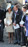 th_50247_celebrity_paradise.com_The_Duchess_of_Cambridge_Zara_wedding_023_122_370lo.jpg