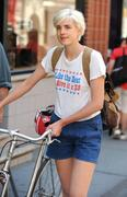 Agyness Deyn | Out & about in NYC | June 29 | 5 leggy pics