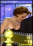 Gillian Anderson That pic has been around a looonnnnnggggg time. Check the date: case solved back in August of 2000. Foto 167 (Джилиан Андерсон Что ПИК была вокруг looonnnnnggggg время.  Фото 167)
