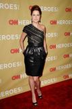 th_81538_celebrity-paradise.com-The_Elder-Jenna_Fischer_2009-11-21_-_CNN_Heroes_An_All-Star_Tribute_536_122_76lo.jpg
